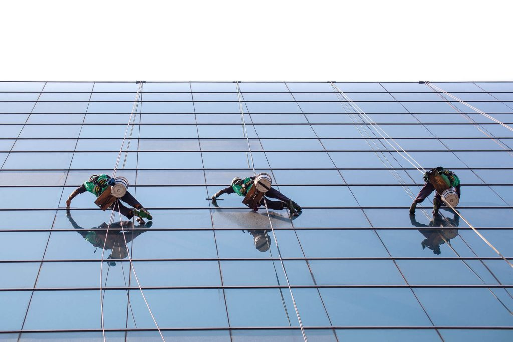 window-washing-side-of-building